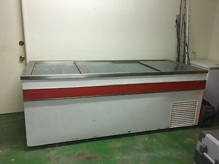 Freezer - Commercial size bait freezer