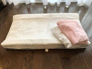 Changing pad and covers / table langer
