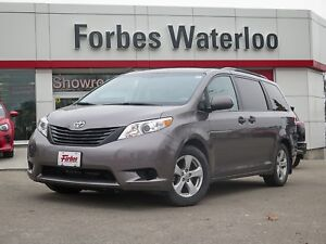 2014 Toyota Sienna 1 OWNER JUST IN!