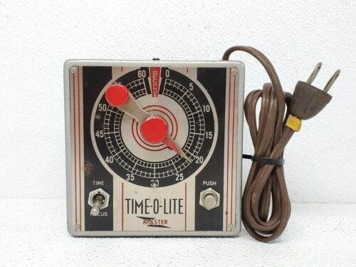 Industrial  M-49 Master Time-O-Lite 60-Sec Darkroom Timer Art Deco Steampunk