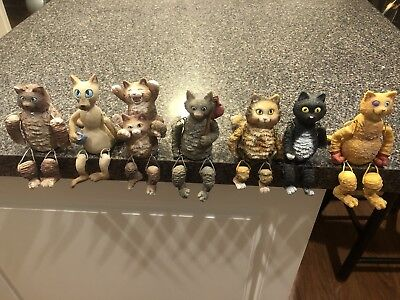 Lot of 7 Cat Kitty Figurine Dangly Rope Legs W/ Mouse WMG 2004 - Preowned
