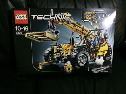 Lego Technic Telehandler 8295 NIB Sinnamon Park Brisbane South West Preview