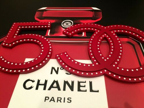 TWO VERY RARE CHANEL STORE DISPLAY FACTICE: № 5 + LOGO CC (RED COLOR ACRYLIC)
