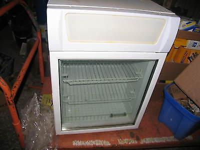 Fricon Commercial Countertop Glass Door Freezer Cooler Merchandiser Vcv-12