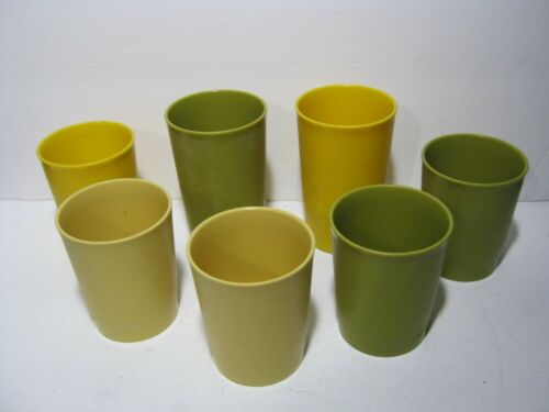 Lot of 7 Vintage Tupperware Cups --- #1251 and #1320