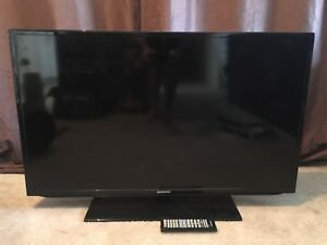 "40"" Samsung LED TV **broken/for parts**"