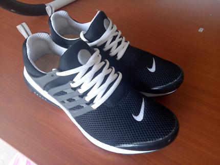 Nike sneakers US 10