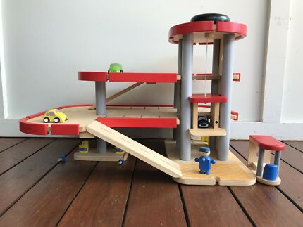 Plan Toys Garage : Plan toys noahs ark and some animals toys indoor gumtree