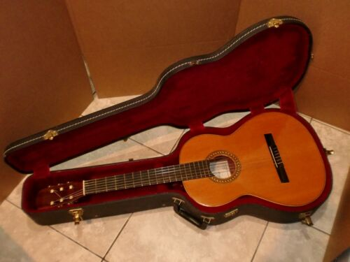 MIGUEL ANGEL S,L SPAIN CLASSICAL GUITAR GOOD SOUND,VERY GOOD CONDITION