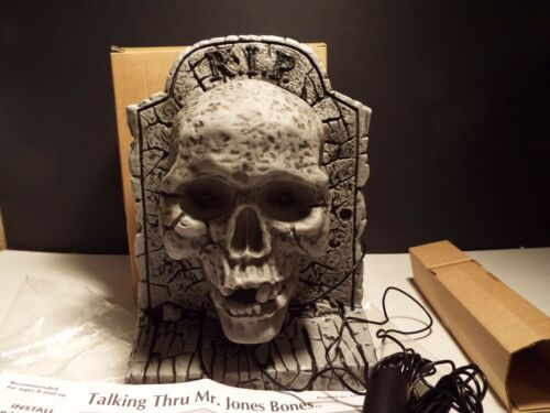 2001 Talking Thru Mr Jones Bones Skull Skeleton Halloween Magic Prop Microphone