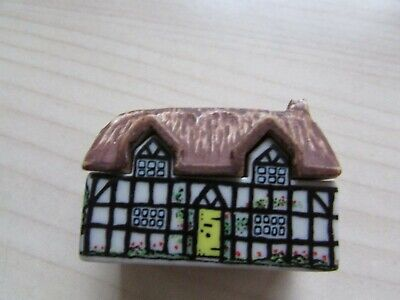 VINTAGE WADE ENGLAND POTTERY THATCHED ROOF COTTAGE WHIMSIE. for sale  Shipping to Ireland