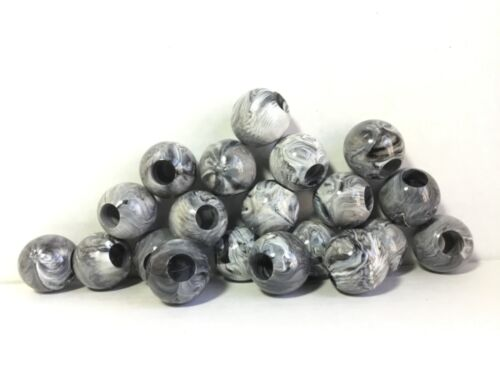 20 Round Macrame Craft Beads 30mm Marbled Black White Marbella Plastic Acrylic