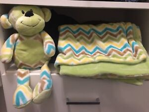Baby monkey and blanket set