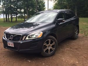 2012 Volvo XC60 T6 Premier Plus package, 2yr extended warranty,