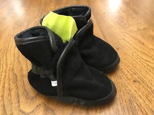 12-18 month size Warm fall/winter Robeez