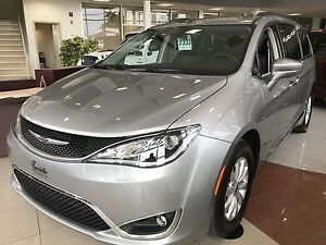 2017 Chrysler PACIFICA, BLUETOOTH TOURING-L, GPS, MAGS