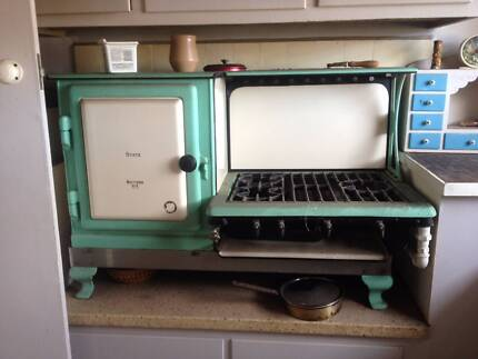 """Metters """"Early Kooka"""" Cast Iron Stove 3 Burner Grill and Oven Elwood Port Phillip Preview"""
