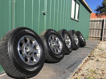 Toyota FJ Cruiser Wheels & Tyres x 5