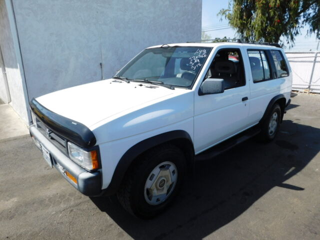 Imagen 1 de Nissan Pathfinder white