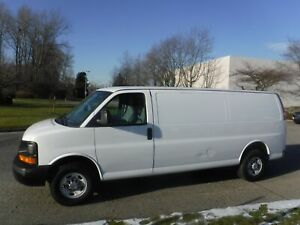 2013 Chevrolet Express 2500 Extended Cargo Van with Bulkhead Div