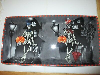 Halloween Party Serving Dishes (NEW Skeleton Couple & Haunted Houses Serving Dish Tray- HALLOWEEN, Party!)