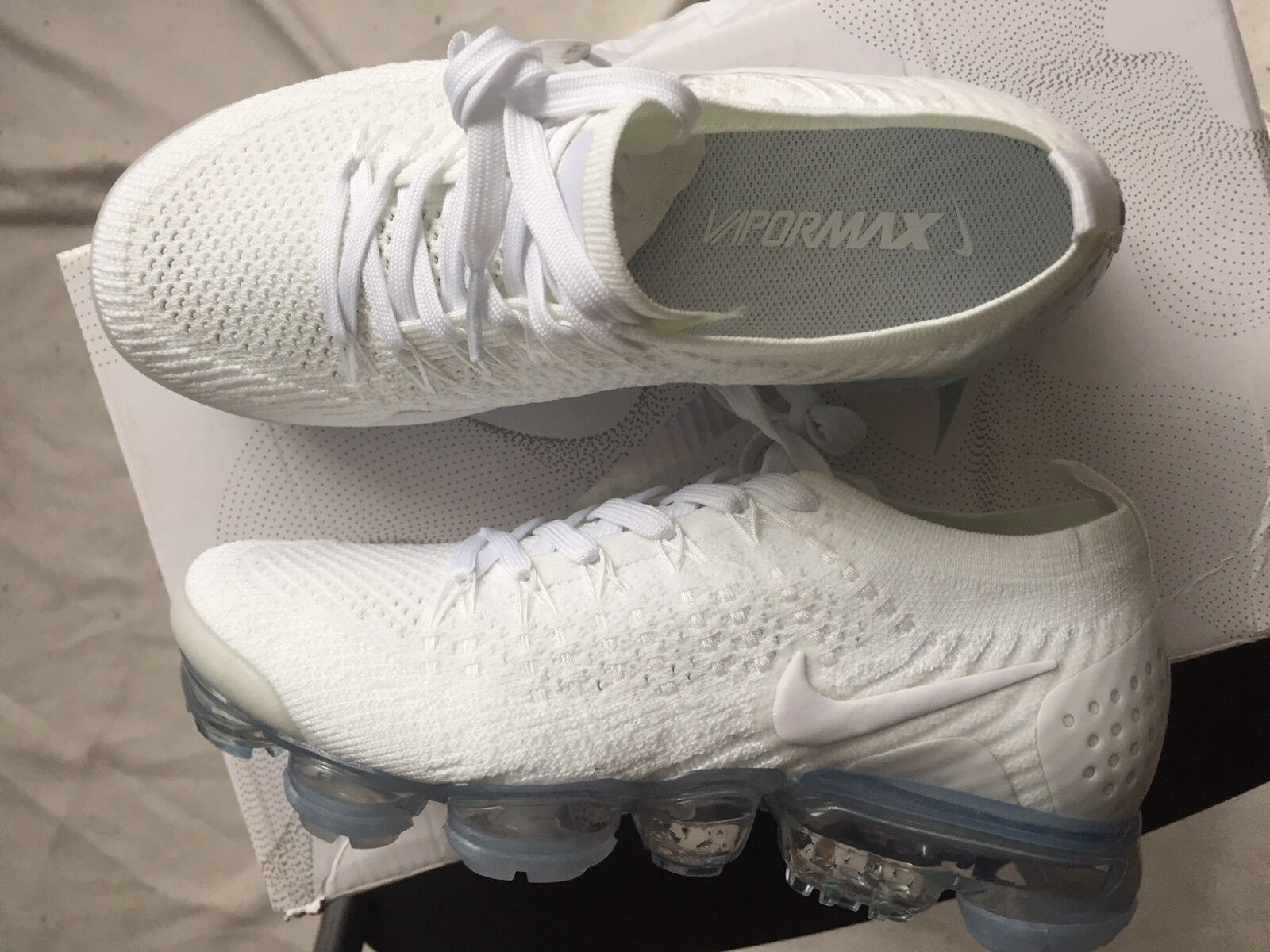 NIB-Women-Nike-Air-VaporMax-FlyKnit 2-942843-100 White Womens US 7.5 EUR 38.5