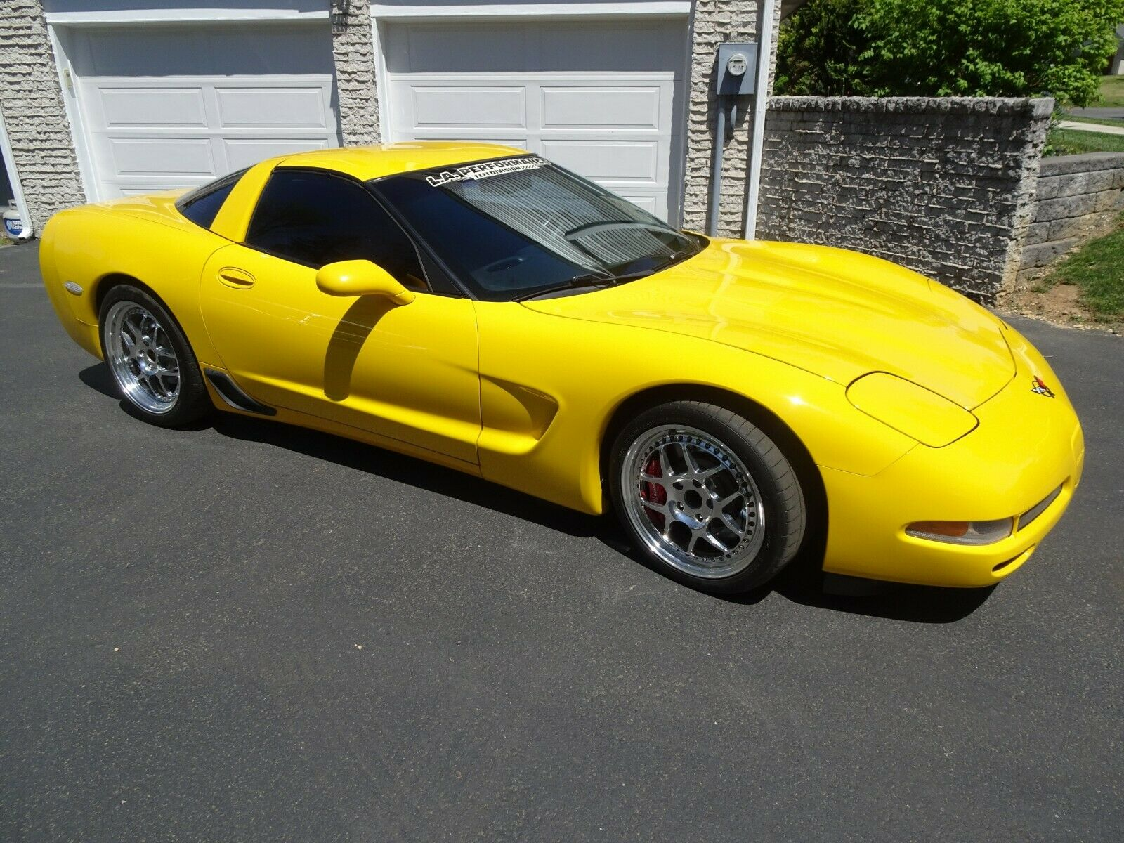 2001 Yellow Chevrolet Corvette   | C5 Corvette Photo 1