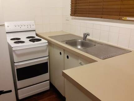 2nd Hand Kitchen for sale Hackett North Canberra Preview
