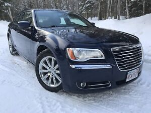 2013 Chrysler 300 Touring V6, Sunroof, Leather $49.Wk. o.a.c.