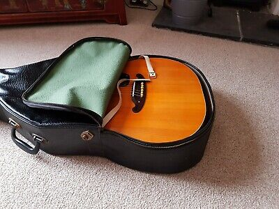 Guitar vintage   acoustic 1970 with case
