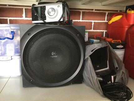 Logitech speakers  Z-5500 digital