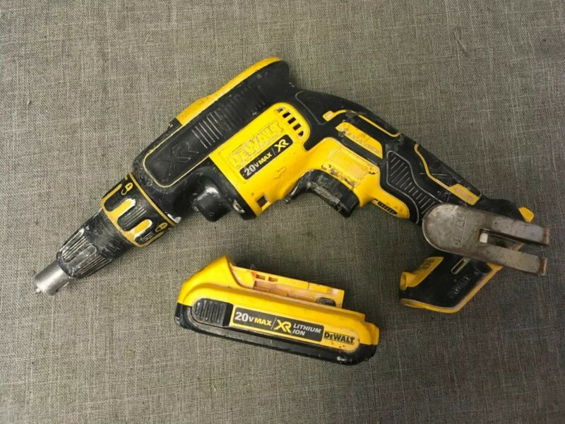 Dewalt DCF620 20v drywall Screwgun W/battery