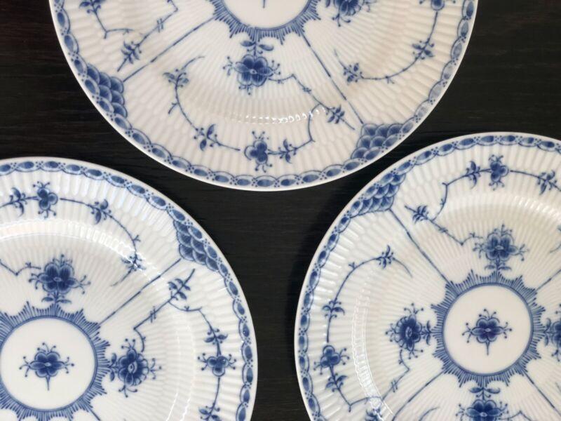 BLUE FJORD VINTAGE DINNER PLATES - 3