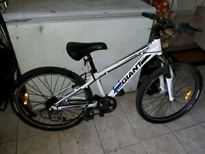 Giant xtc junior mountain bicycle in good condition