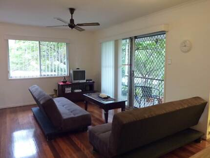 AMAZING LOCATION ! JUST A FEW STEPS FROM THE IGA AND SHOPS !