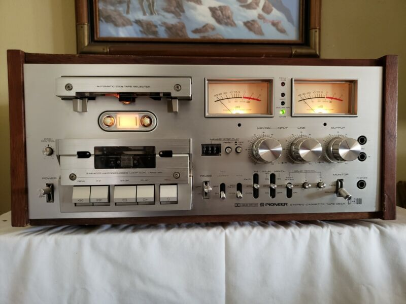 Vintage Pioneer CT-F1000 Cassette Tape Deck. Very good condition, working well!