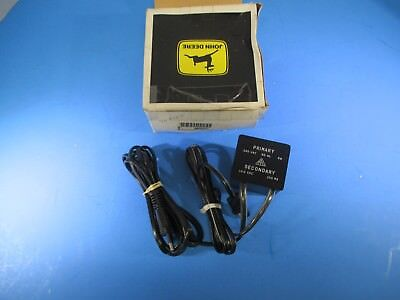 John Deere Battery Charger Am38297 Nos New In Package Nos4