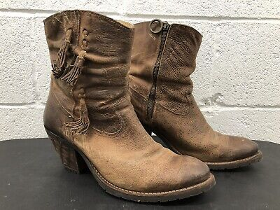Stylish High Heel Boots (Justin Women's 11 B Ankle boots Weathered Side Zipper Stylish High Heel)
