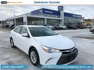 2017 Toyota Camry LE Accident Free - Back Up Camera - Hands F...