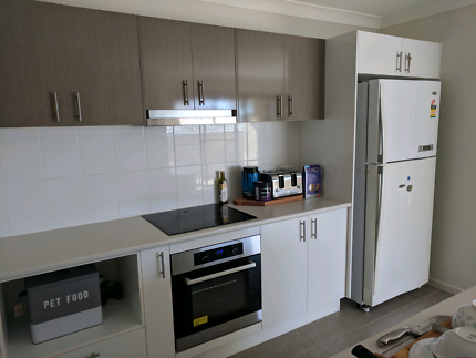 Rooms available fir rent in coomera
