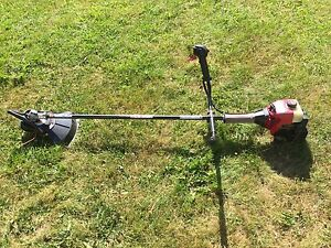 Yard Machines 27cc 2-Cycle GasolineTrimmer/BrushcutterY780.