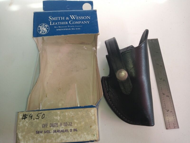 Vintage Smith & Wesson B02 - 72 Genuine Leather Holster NOS Black original Box