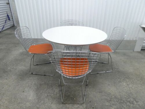 KNOLL STUDIOS ISAMU NOGUCHI CYCLONE DINING TABLE AND 4 BERTOIA WIRE CHAIRS