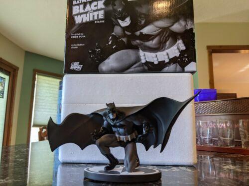 Batman Black and White Statue Jim Lee 1st Edition #5069/5600