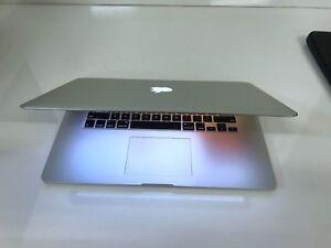 Macbook Pro Retina 15.4/2.3GHz  i7 /8GB Ram/ 256 GB SSD
