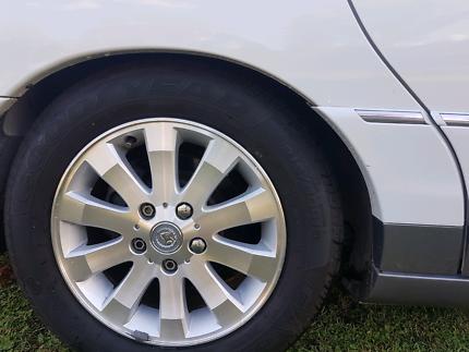 Commodore statesman wheels Belmont Lake Macquarie Area Preview