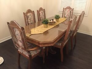 DINING SET FOR SALE SOLID WOOD STURDY $500 OBO