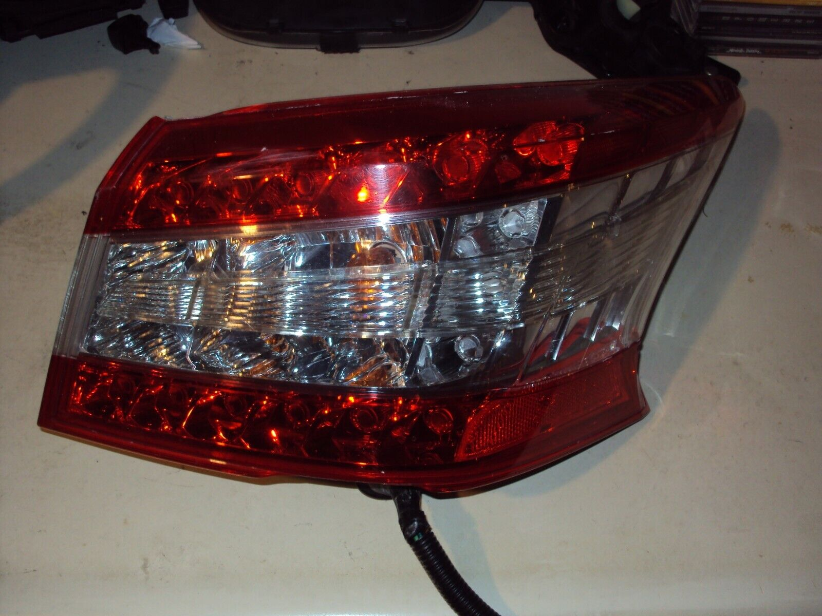 For Chevy Traverse 2009-2011 Passenger Right Tail Light Assembly Dorman 1611593
