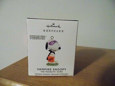 Hallmark 2020 Vampire SNOOPY Halloween Miniature Keepsake Ornament Peanuts Gang