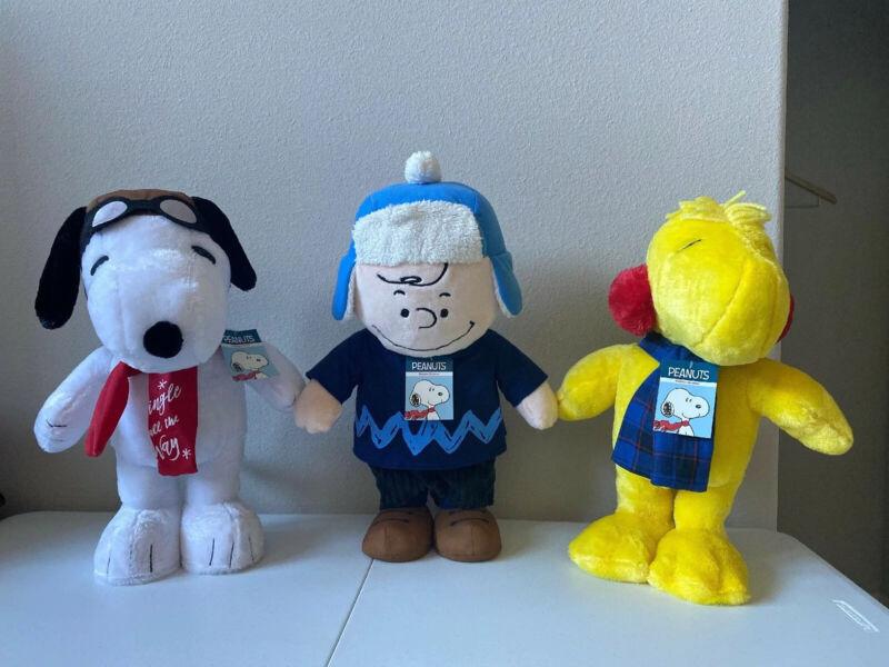 "Peanuts Charlie Brown Snoopy Woodstock Holiday Christmas Greeters Plush ~18-20"""